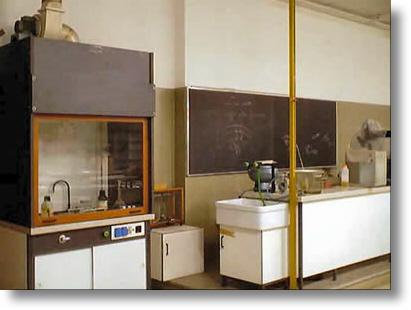Alcune foto del laboratorio di chimica